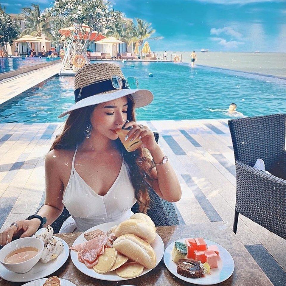 em-gái-check-in-sang-chanh-resort-vũng-tàu