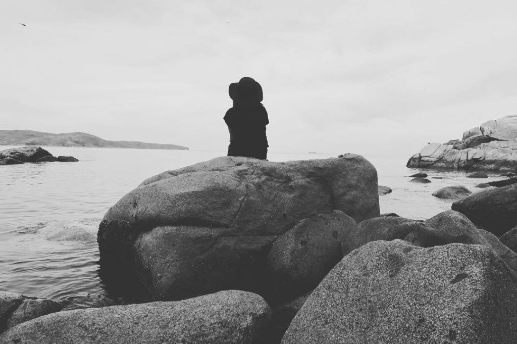 ghènh-ráng-quy-nhơn-view-biển-chụp-hình-sau-lưng