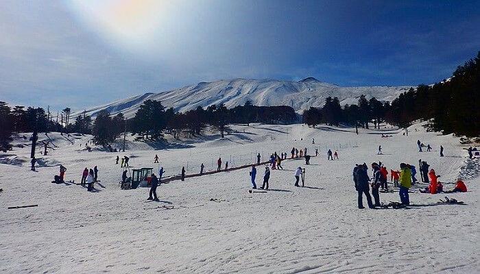 ski-resort-snow