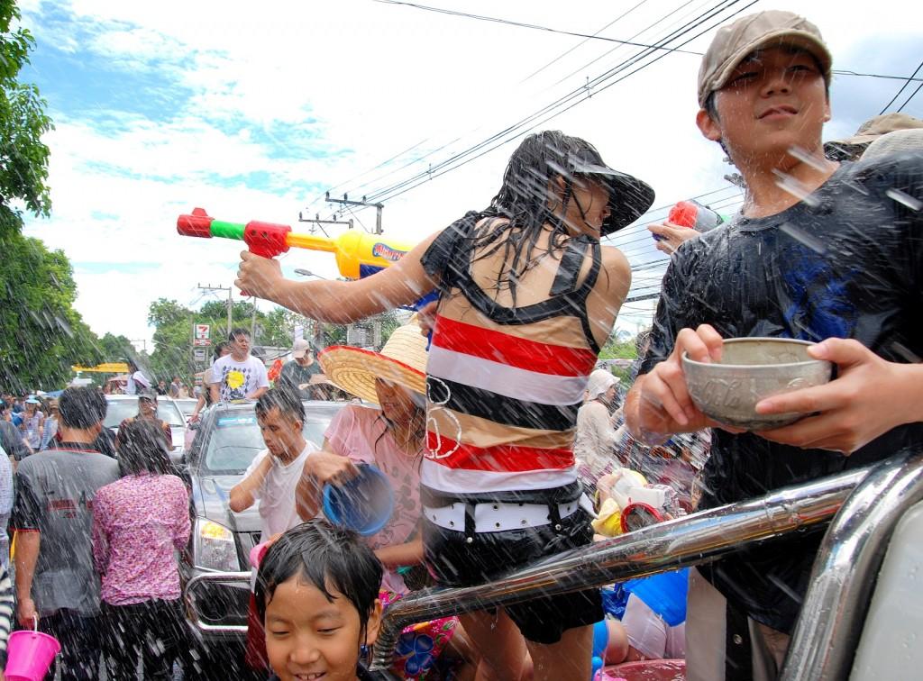 songkran_012 |  © Takeaway / Wikimedia commons